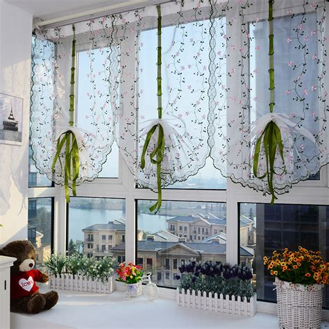 modele rideau de cuisine le marché du rideau tout l 39 univers des rideaux