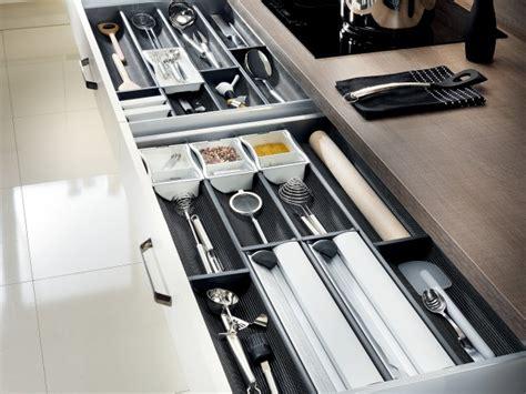 ustensiles cuisine tiroir de rangement pour ustensiles de cuisine thumb 3238