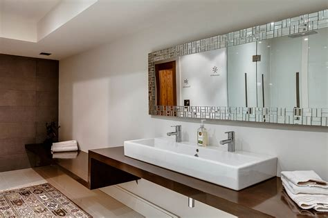Double Sinks, Bathroom, Mirror, Contemporary House In