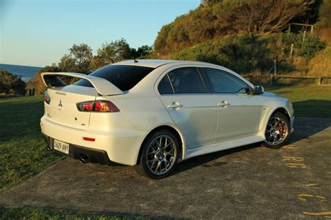 Mitsubishi Evo Review by Mitsubishi Lancer Evolution X Review Caradvice