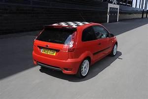 Ford Fiesta 2002 : ford fiesta hatchback 2002 2008 driving performance parkers ~ Medecine-chirurgie-esthetiques.com Avis de Voitures