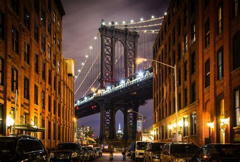 Download 2560x1440 Brooklyn Bridge, Night, Lights, Cars