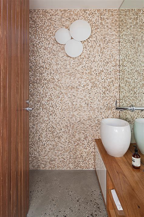 trendy penny tiles ideas  bathrooms digsdigs