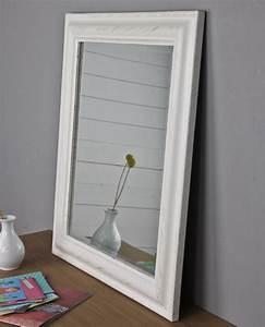 Spiegel Weiß Holzrahmen : spiegel 62 x 52cm wandspiegel schlicht wei holz landhaus holzrahmen badspiegel ebay ~ Indierocktalk.com Haus und Dekorationen