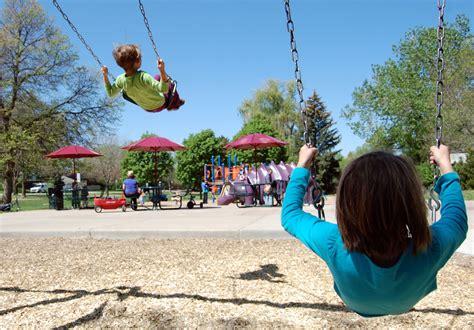 kid swing swing playground ave radio ave radio