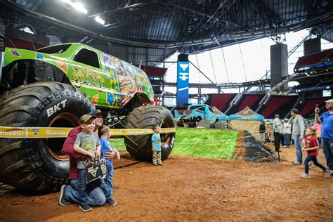 monster jam mercedes benz stadium