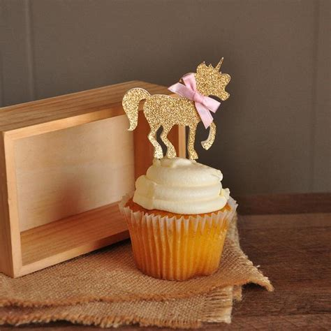 unicorn party decorations ships    business days