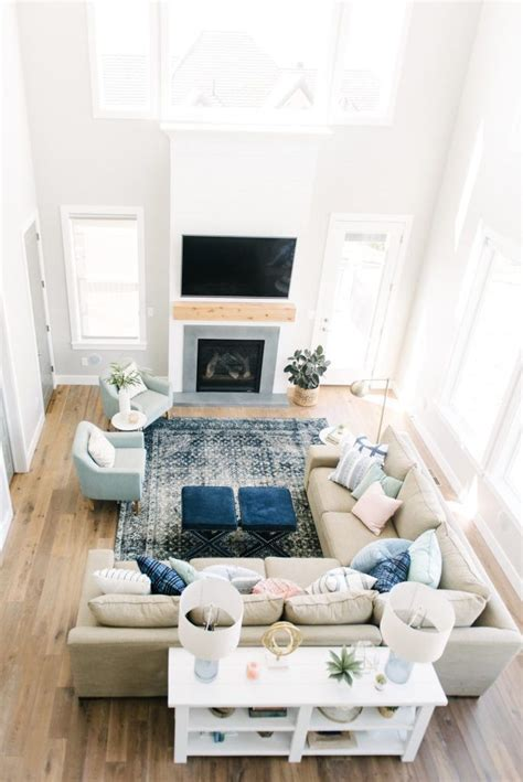 Rectangular Living Room Setup Ideas by Best 25 Sectional Sofa Layout Ideas On Living