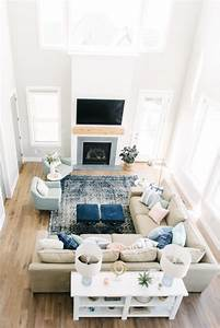 How to arrange pillows on a sofa memsahebnet for Sectional sofa how to arrange