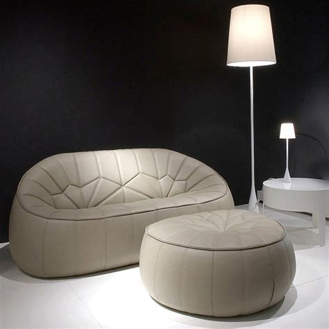 canapé et pouf canapé fauteuil pouf ottoman pour cinna par le designer