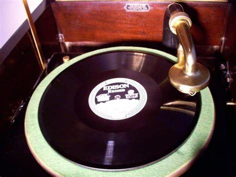 edison   hepplewhite phonograph  victor adapter