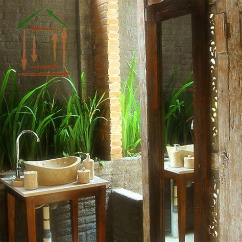 42 Amazing Tropical Bathroom Décor Ideas - DigsDigs