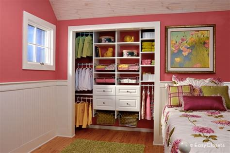 cool seating ideas for your walk in our master closet makeover begins with easyclosets 10