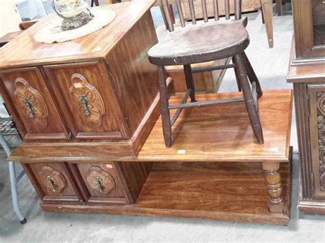 S Style Coffee And One End Table Double Doors