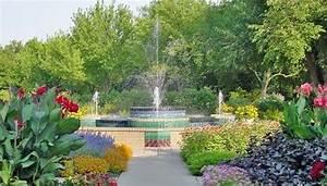 Aas display garden botanica the wichita gardens in for Wichita botanical gardens