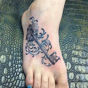 Tattoo Auf Dem Fuß : tattoo von sch nem schl ssel auf dem fu f r frauen ~ Frokenaadalensverden.com Haus und Dekorationen