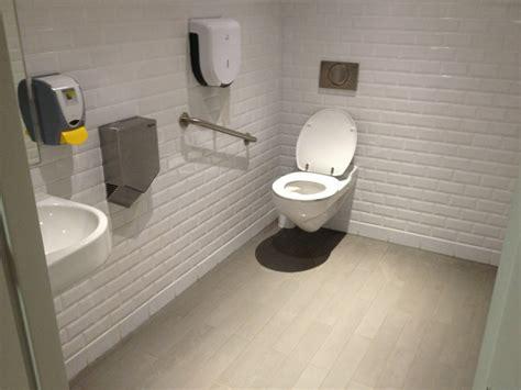 siege toilette pour handicape comment calculer et installer un wc adapt 233 pour les handicap 233 s