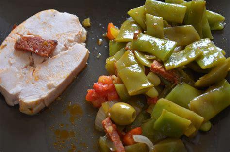 cuisiner un filet de dinde rôti de filet de dinde au chorizo sevencuisine