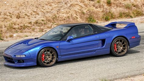clarion builds resurrects  improves   acura nsx