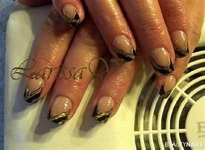 Nägel Schwarz Gold : schwarz gold und malerei nageldesign ~ Frokenaadalensverden.com Haus und Dekorationen