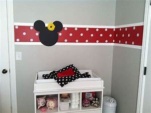 Minnie Mouse Zimmer : changing table with stipe and minnie mouse kinderzimmer in 2018 pinterest baby ~ Markanthonyermac.com Haus und Dekorationen