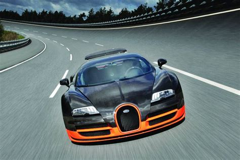 The front section is dominated by larger and completely redesigned air vents. melkyaditya.blogspot.com: Fast Car 2011 Bugatti Veyron Super Sport