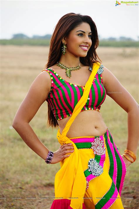 hips in saree page 3150 xossip