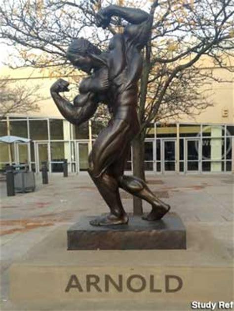 columbus  statue  arnold schwarzenegger