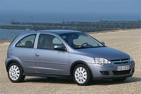 Opel Corsa 1.2-16v Cosmo 2004
