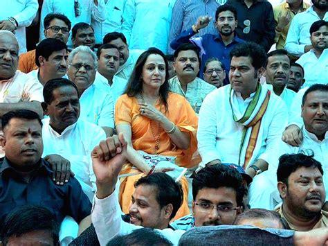 BJP leaders fast in Mathura