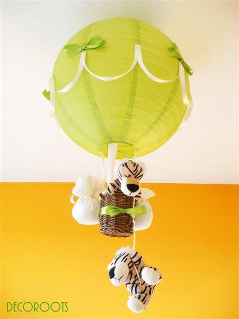 décoration chambre bébé jungle le montgolfière tigre vert et beige enfant bébé