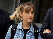 "Allison Mack cites Scientology as defense in ""NXIVM"" sex trafficking case (the cult that allegedly has deep ties to Arizona politicians, Mexican Cartels, and possibly Clinton Foundation)…"