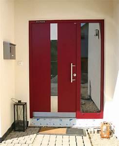 Welche Farbe Hat Das Weiße Haus : ein traumhaus mit roten fensterl den ungewohnlich ~ Lizthompson.info Haus und Dekorationen