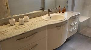 Meuble Salle De Bain Marbre : agencement d 39 une grande salle de bain avec un plan granit kashmir white atlantic bain ~ Teatrodelosmanantiales.com Idées de Décoration