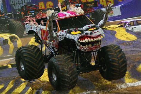monster jam zombie truck zombie monster truck www imgkid com the image kid has it
