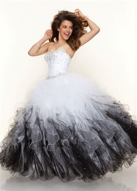 Cecelle 2016 Vintage1950s Gothic Black And White Ball Gown