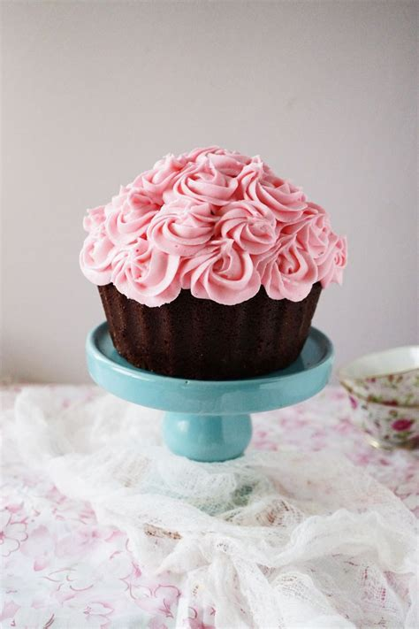 breast cancer awareness pink bouquet cake  step