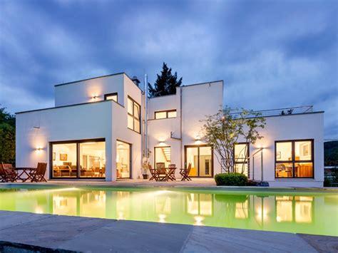 Moderne Häuser Spanien by Fertighaus Luxhaus Flachdach 283