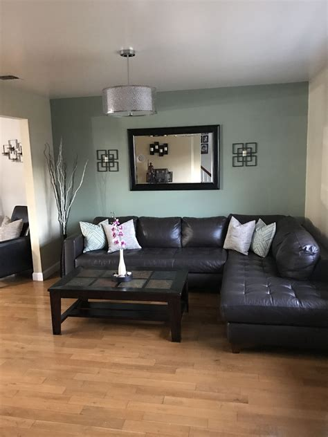 green accent wall in living room accent walls in