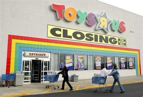 toys   gift cards  bankruptcy