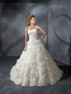Traditional style wedding dresses for Traditional spanish wedding dress