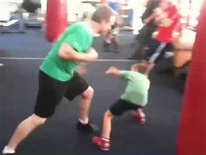 Freddie roach gets jumped by 3 gang members - YouTube