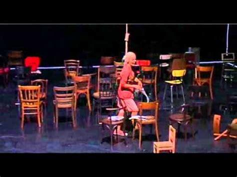 les chaises d 39 après eugène ionesco mise en scène luc bondy