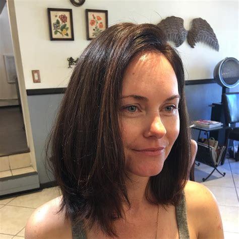 30 Straight Medium-Length Layered Haircuts - Reviewtiful