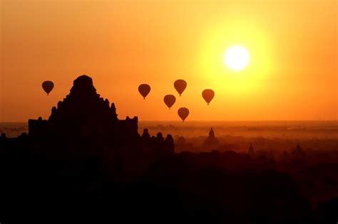 Hot air balloons over Bagan Myanmar at sunrise (OC) # ...