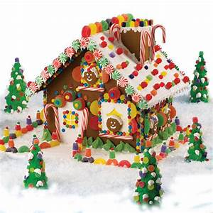 High-Voltage Christmas Gingerbread House | Wilton