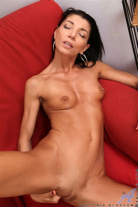 – Freshest Mature Women On The Net Featuring