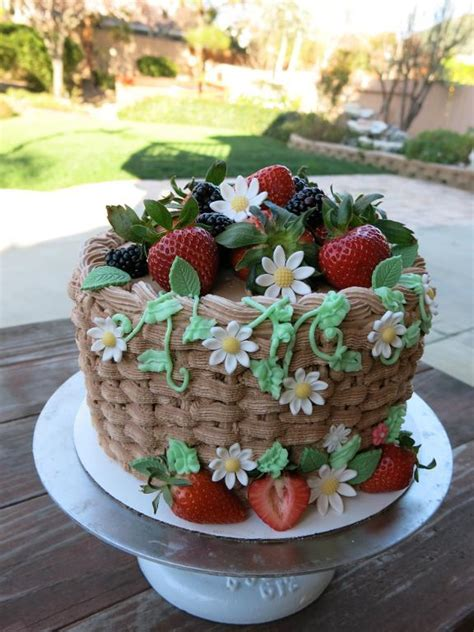 cake with fruit on top tips inspiration