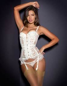 10 Luxury Lingerie Sets For Your Wedding