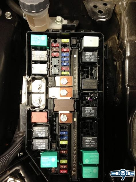 Picture And Description Of The Fuse And Relay Box On A 97 Toyotum Camry by 2012 Honda Civic Fuse Box Diagram Fuse Box And Wiring